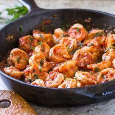 Quick and Easy Garlic Shrimp In Tomato Sauce