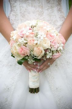 Fleurs mariage Your bouquet is more than just a bundle of different blooms. Playing off of seasonal trends, or utilizing your favorite garden-picked assortment, the bouquet you carry on your big day serves as an … Bridal Bouquet Pink, Rose Wedding Bouquet, White Wedding Bouquets, Wedding Flower Arrangements, Bride Bouquets, Bridal Flowers, Bridesmaid Bouquets, Light Pink Bouquet, Pink Rose Bouquet