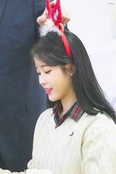 "IU 191128 ""Love Poem"" Fansign K Pop Music, Talent Agency, Love Poems, Korean Singer, Girl Group, Actresses, Kpop, Beauty, Smile"