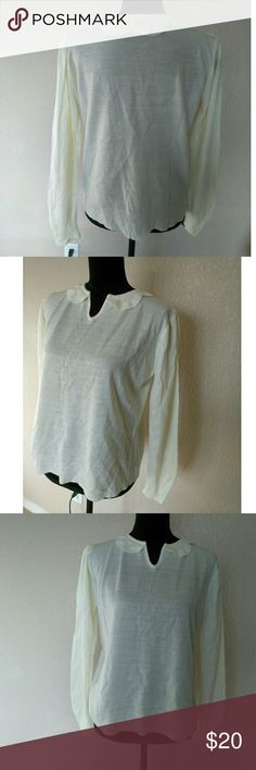 Vintage Knitivo Scallop Sweater This is a beautiful and one of a kind vintage sweater. Made by Knitivo in Korea. An ivory/cream in color. Has a scalloped open slit neck line. 100% Acrylic . Doesn't have a size tag. I'm guessing M/L. Approx measurements are 22in length and approx 20in chest. Vintage Sweaters