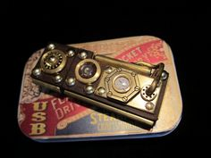I quite enjoy the steampunk aesthetic.    16Gb flash drive.