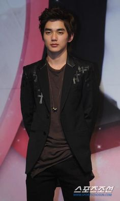 Yoo Seung Ho, Child Actors, Fresh Face, Actor Model, Korean Actors, Proposal, Glow, Drama, Leather Jacket