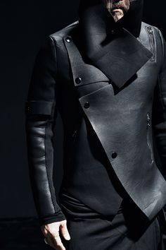 Men's Leather Jackets: How To Choose The One For You. A leather coat is a must for each guy's closet and is likewise an excellent method to express his individual design. Leather jackets never head out of styl Dark Fashion, Mens Fashion, Leather Fashion, Street Fashion, Cyberpunk Fashion, Looks Black, Future Fashion, Jacket Style, Jacket Men