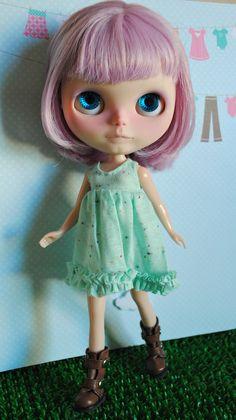 Light Green dress for Blythe dolls by Prettybasics on Etsy, $15.00