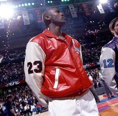 36 new Ideas sport shoes poster kevin durant Michael Jordan Sneakers, Photos Michael Jordan, Michael Jordan Basketball, Love And Basketball, Mike Jordan, Jordan Bulls, Nba Players, Basketball Players, Basketball Games