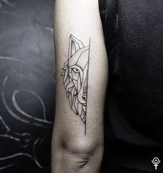 19 Meilleures Images Du Tableau Loup Geometrique Tattoos Of Wolves