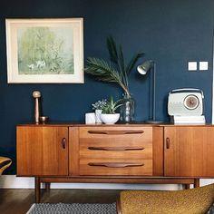 Mid Century Modern Living Room Furniture Ideas (45)