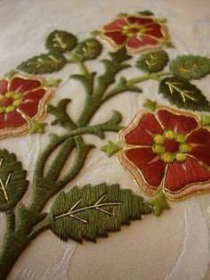 New Vestment Work: A Gothic Chasuble from Altarworthy ~ Liturgical Arts Journal Jacobean Embroidery, Silk Ribbon Embroidery, Crewel Embroidery, Machine Embroidery, Flower Embroidery Designs, Embroidery Patterns, Medieval Embroidery, Embroidered Roses, Bead Sewing