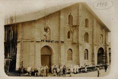 Les Archives de Bordeaux dans d'anciennes halles  des magasins généraux en 1917 avec des prisonniers allemands.