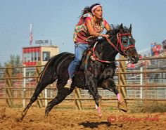 Winner of the All Nations Relay Championship mile ladies race Picuni Express, Johnna LaPlant. The races were held in Sheridan, Wyoming. North American Tribes, Native American Horses, Beautiful Horses, Life Is Beautiful, Indian Horses, Relay Races, Cowboys And Indians, Black Horses, Sheridan Wyoming