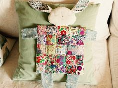 Sleeping bunny by http://quiltingstories.blogspot.com/2016/07/sleeping-bunny-liberty-patchwork-squares.html