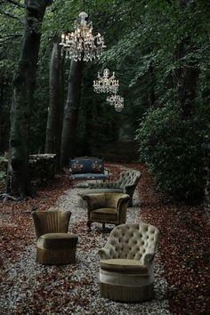 Scotch in the Woods Party Kulissen, Wonderland, Outdoor Seating, Outdoor Decor, Outdoor Living, Outdoor Lounge, Outdoor Ideas, Indoor Outdoor, Turbulence Deco