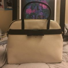 Kate spade purse This authentic white leather purse has a removable shoulder strap one zip pocket and two other inside pockets. In perfect condition never been used. kate spade Bags Shoulder Bags
