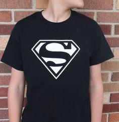 Superman Yellow T-Shirt Logo iPhone 6 Plus HD Wallpaper Superman Wallpaper, Hero Wallpaper, Marvel Wallpaper, Screen Wallpaper, Mobile Wallpaper, Cellphone Wallpaper, Hacker Wallpaper, Skull Wallpaper, Wallpaper Ideas