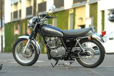The 2015 Yamaha SR400...lookin' to make this my first bike!