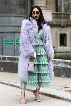 ideas fashion week paris street style long coats for 2019 Only Fashion, High Fashion, Womens Fashion, Street Fashion, Trendy Fashion, Petite Fashion, Fashion Fashion, Fashion Tips, Pastel Fashion