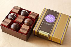 New York's best selection of fresh, gourmet chocolate and chocolate gifts from Manhattan's oldest chocolate house. Chocolate House, Chocolate Stores, Chocolate Gift Boxes, Chocolate Factory, Chocolate Truffles, Truffle Boxes, Candy Store, Hostess Gifts, Raspberry