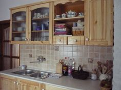 Házból otthon: Konyha Kitchen Cabinets, Home Decor, Decoration Home, Room Decor, Kitchen Cupboards, Interior Design, Home Interiors, Kitchen Shelves, Interior Decorating