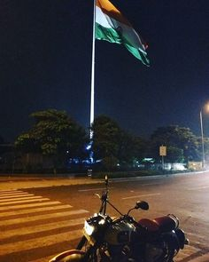 One of the #tallest #flagpoles of #India in the background.  No ride is complete without losing my way back home   Tag your pics and videos with @wheelsguru  to be featured.   Follow #wheelsguru @shahnawazkarim  get latest updates on wheelsguru.com  Also.. #oneplus3 sucks at low light photography  #motorcyclediaries #motorcyclesofinstagram #helmetstories #royalenfield #classic500 #bullet #royalenfieldftw #bulleteers #re_tribe #madelikeagun #delhi #delhigram #igers_india #igers_delhi…