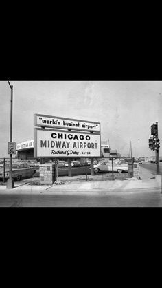 Midway Airport back in the day. Chicago Airport, Midway Airport, Chicago City, Chicago Area, Chicago Illinois, Chicago Pictures, Chicago Neighborhoods, My Kind Of Town, Best Cities