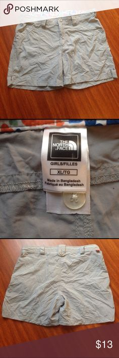 The North Face-Girls Short The North Face-Girls Short-Size XL-EUC-No flaws-Light weight material-front pockets/no back pockets-Any questions just ask! Bottoms Shorts