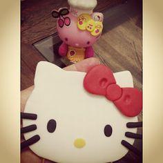 Bolos em Pasta Americana - Designer de bolos - Bolos Decorados - Doces Cupcake Gabriela Lemos Cakes: Bolo Hello Kitty