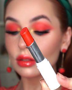 Farsali Care Liquid Powder, Nars Natural Radiant Foundation, Beauty Blender Bounce Concealer, Milkmakeup Matt… [Video] in 2020 90s Makeup Look, Red Lips Makeup Look, Cool Makeup Looks, Makeup Looks For Brown Eyes, Creative Makeup Looks, Skin Makeup, Makeup Art, Dupe Makeup, Beauty Blender