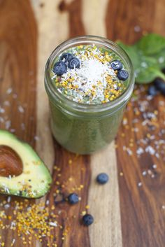 #PureFuel: Low Sugar Superfood Smoothie by @annielawless23 for @PureBarre