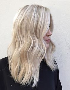 40 Blonde Hair Color Ideas to help you gather inspiration for your new blonde hair color!Check this great list of the best shades of blonde hair&new color ideas with blonde . Bright Blonde Hair, Blonde Hair Shades, Brown Blonde Hair, Platinum Blonde Hair, Cool Toned Blonde Hair, Bleach Blonde Hair, Highlighted Blonde Hair, Light Blonde Balayage, Blonde On Blonde