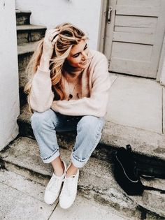jeans + pink sweater + white sneakers