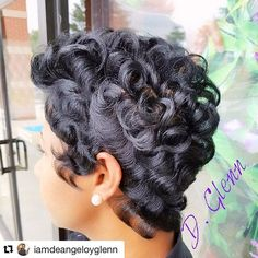 See this Instagram photo by @razorchicofatlantasalon • 208 likes