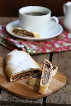 Sugar-free Grain-free Chocolate Walnut Swirls - a perfect treat for your holiday get togethers. Low Carb Chocolate, Chocolate Recipes, Chocolate Pastry, Chocolate Cookies, Low Carb Sweets, Low Carb Desserts, Allergy Free Recipes, Low Carb Recipes, Starch Free Recipe