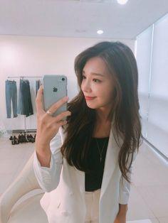 The Most Beautiful Girl, Beautiful Person, Beautiful People, Kpop Girl Groups, Korean Girl Groups, Kpop Girls, Eunji Apink, Hipster Wallpaper, Eun Ji