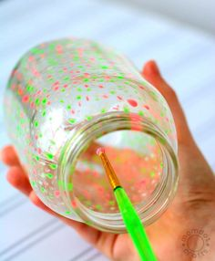 create a star jar or a galaxy jar or even fairy lights with this easy tutorial Glow Stick Jars, Glow Jars, Glow Sticks, Diy And Crafts Sewing, Crafts To Sell, Diy Crafts, Glow Crafts, Sell Diy, Diy Galaxie