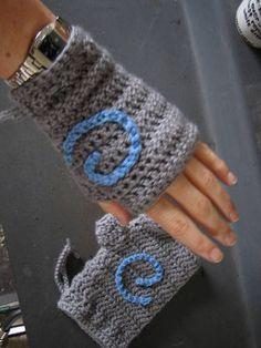 Hearth stone Gauntlets (fingerless mitts) - CROCHET
