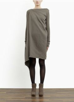 tunic- if only makers would do some of these styles in color!