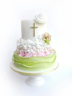 First Communion Cake Gorgeous Cakes, Pretty Cakes, Comunion Cakes, Confirmation Cakes, Baptism Cakes, Bolo Original, Religious Cakes, First Communion Cakes, Girl Cakes