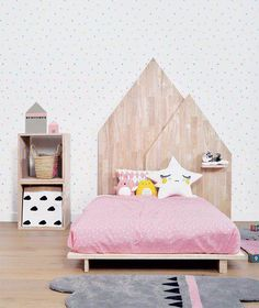 Cute girls bedroom with wood details and girly colors.  Get inspired by my blog at http://reidunbeate.com