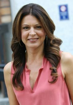 Jane Leeves wears big barrel curls