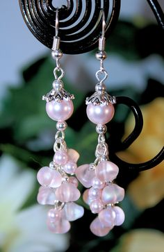 This is a pair of my handmade earrings.  I auction my jewelry in the Community Auctions daily!  Starting bid for this lovely pair is only $4.00.  Come join us for the fun!!   http://jcstore.biz/tophatter.php