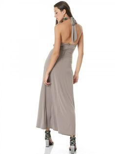 438e8133e8b Απολαύστε όλες τις τάσεις της μόδας στα γυναικεία ρούχα.Τοπ μπλουζάκια σε όλες  τις αποχρώσεις με μανίκια και αμάνικα δικής μας έμπνευσης και ...