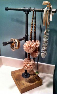 Industrial Jewelry Organizer (Diy Necklace For Teens) Diy Jewelry Holder, Jewelry Stand, Jewelry Hanger, Necklace Holder, Jewelry Tree, Pearl Jewelry, Diy Necklace Stand, Diamond Jewelry, Hang Jewelry