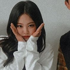 Find images and videos about girls, aesthetic and boys on We Heart It - the app to get lost in what you love. Divas, Kim Jennie, Kpop Aesthetic, Aesthetic Girl, South Korean Girls, Korean Girl Groups, Blackpink Members, Black Pink Kpop, Blackpink Photos