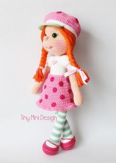 Çilek Kız Kostümlü Bebek-Amigurumi Strawberry Girl Costume Doll | Tiny Mini Design