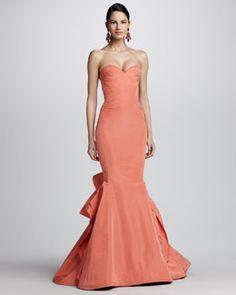 B27P1 Oscar de la Renta Strapless Ruffle-Back Fishtail Gown