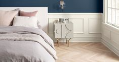 Sherwin-Williams has released its 2020 Color of the Year, Naval, a deep rich shade of navy blue. Here's how Sherwin-Williams designers landed on their new Color of the Year and how you can use it in your home's design. Jewel Colors, Trendy Colors, Marble Countertops, Interior Design Tips, Color Of The Year, Color Inspiration, Design Trends, Kitchen Remodel, New Homes