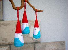 Crocheted Christmas ornaments / set of three by KadinelaJewelry, €14.00