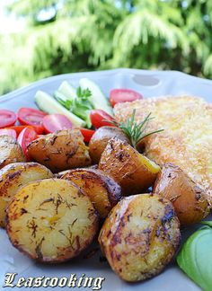 {Garlic Roasted Red Potatoes}