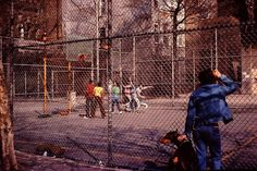 New York Over 35 Years Ago – 55 Color Snapshots Show The Most Populous City In The United States In 1980 New York City Photos, Visit New York City, Haunting Photos, Surreal Photos, Timeless Photography, Art Photography, Bizarre Pictures, Underwater Photographer, Photography Contests