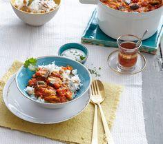 Cremiges Auberginencurry mit Kichererbsen, Reis und Koriander-Sojajoghurt. Einfach genial!